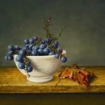 Druiven in witte kom