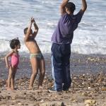 Vader geeft gymnastiekles - Marokko