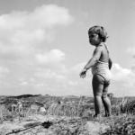 Meisje in duinen