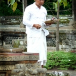 temple priest
