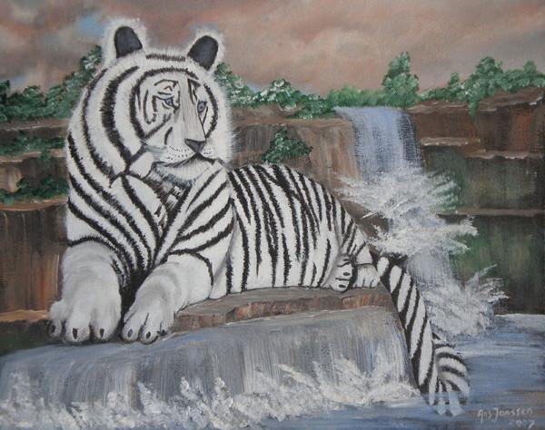 Tijger met al zijn grootsheid uitgebeeld op een waterval
