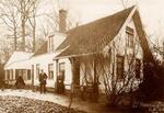 Het tuinmanshuisje op de Geverstraat in Oegstgeest, is beroemd in de geschiedenis van Oegstgeest. Het staat bekend als het tuinmanshuisje van Endegeest. Mijn overgroot-ouders Thiel hebben daar een groot deel van hun leven gewoond. Mijn overgroot-vader was geen tuinman maar hoofd-kleermaker bij Endegeest.