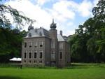 Kasteel Oud Poelgeest in Oegstgeest, staat op de rijksmonumentenlijst. Er komen nog vele reportage`s, die gemaakt zijn in verschillende jaargetijden. Laatste update was op: 10 april 2014.