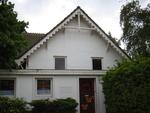 De Gevers-Deutzschool in de Deutzstraat in Oegstgeest. Het gebouw is in gebruik als peuterspeelzaal.