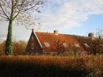 Boerderij Haaswijk kunt u vinden naast het Groene Kerkje en tevens langs het Oegstgeesterkanaal.
