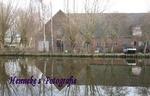 Bij de nieuwe woonwijk-en haven Poelgeest grenzend aan de Haarlemmertrekvaart, stond deze boerderij.