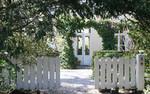 De Gruneriebuurt in Oegstgeest, is een gezellige wijk met een historie. Het huis De Grunerie is een gemeentelijk monument. * Bezoek ook de site: http://www.gruneriebuurt.nl/