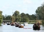 In 2007 is het 350 jaar geleden dat de Trekvaart tussen Haarlem en Leiden gegraven werd. In het laatste weekend van september was er een historische vlootschouw richting Leiden. De fotograaf was precies op de juiste plek om wat overzicht foto`s te maken.
