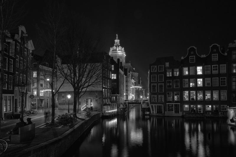 Amsterdam @ night in BW 8