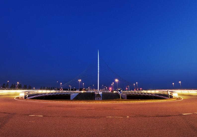 Calatrava's Lute 2