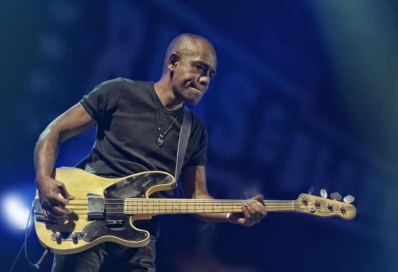 Bass Player Julian Sas