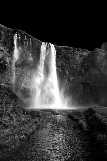 Seljalandsfoss Waterfall 3