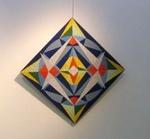 Mozaiekkunstenares Ineke Stolk zet het abstract geometrische werk om in mozaiek. Zij maakt hier Wandobjecten van. Deze fraaie en unieke Wandobjecten zijn nu ook te koop.