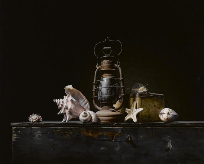Stilleven met lantaren en schelpen