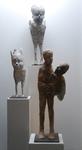 Lieven Demunter (°1962) is beeldend kunstenaar en werkt voornamelijk in keramiek en brons. Voor Lieven Demunter zijn beelden iconen op een innerlijke zoektocht, stille getuigen van een voortdurende bevraging van zichzelf en de wereld om hem heen.
