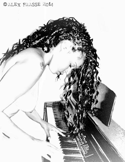 LUIZA PLAYS PIANO
