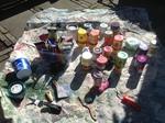 Schilderwerken met diverse materialen o.a plastic, hout, lijm, touw, jute en paper.