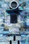 Uitgangspunt is de poëtische bouwstijl van Noord-Yemen. Ik raakte gefascineerd door de arabische sfeer, de bijzondere bouwkunst, de huizen, de oosterse ramen, de versieringen met gipswerk.