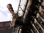 Een serie foto's gemaakt in voormalige industriele objecten, al dan niet aan de elementen overgeleverd