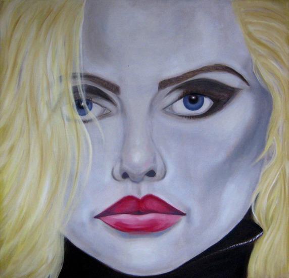 Blondie Up Close